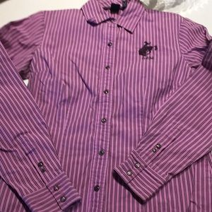 Size medium long sleeves shirt